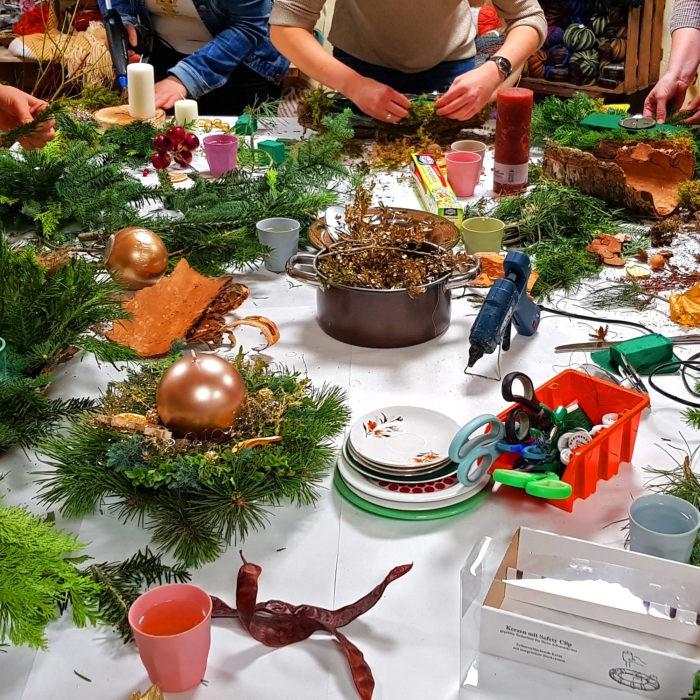 Workshop Adventskranz basteln Weihnachten Mädelsabend Dresden Moritzburg Weihnachtsfeier
