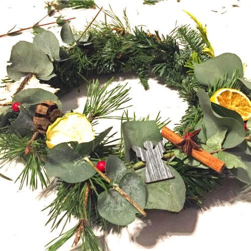Workshop Wiehnachtszeit Eukalyptuskranz Mädelsabend Dresden Moritzburg