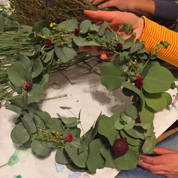 Workshop Adventskranz basteln Eukalyptuskranz Mädelsabend Dresden Moritzburg