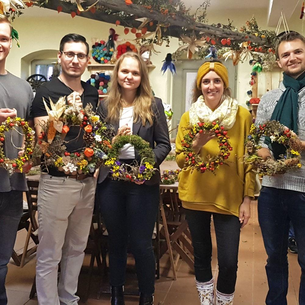 Kreativer Workshop Herbstkranz basteln als Teamevent