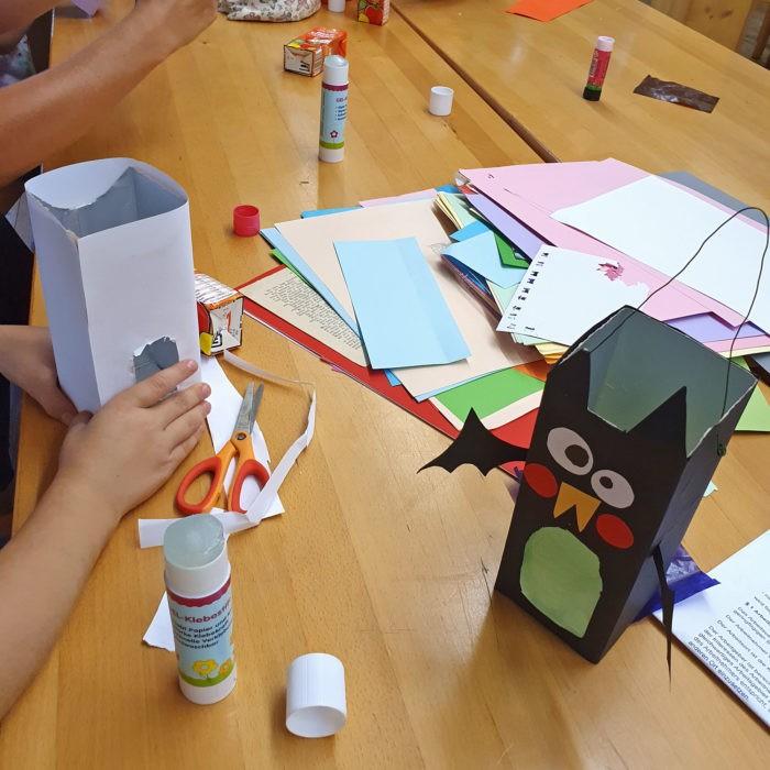 Ferienbasteln LAterne zu Halloween Schulferien Workshop Moritzburg Dresden