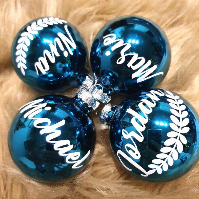 Christbaumkugel mit Namen und Ranke personalisiert Weihnacht