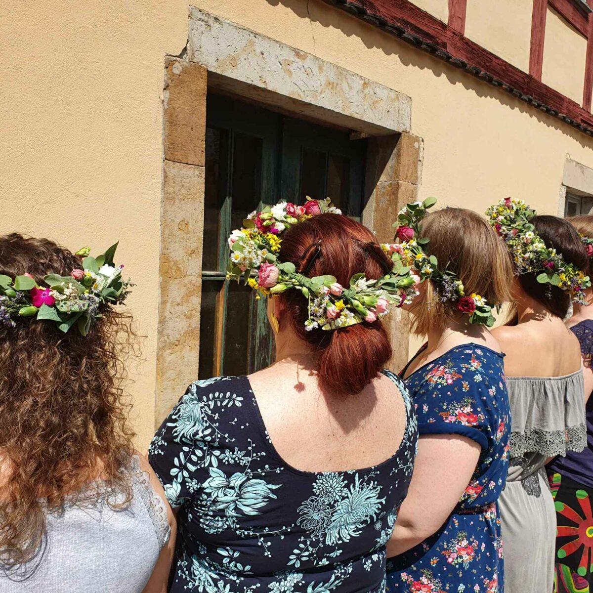 JGA feiern - Junggesellinnenabschied Blütenkranz bastel Dresden Moritzburg