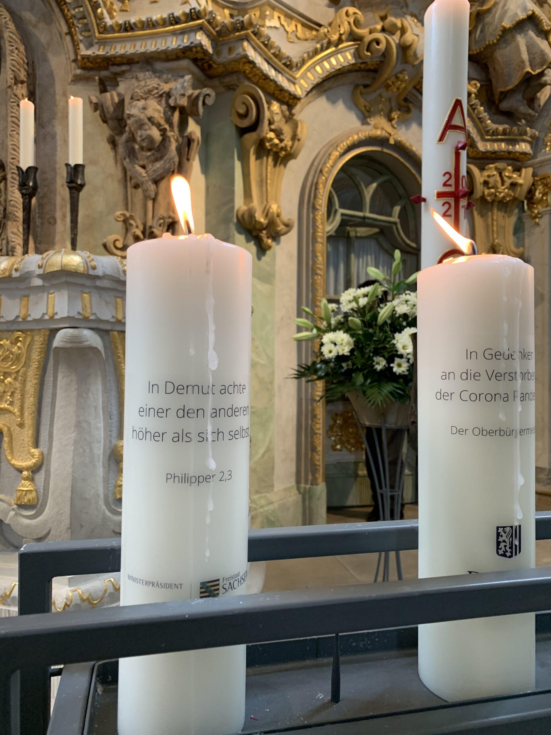 Kerze brennend Altar Sachsen Frauenkirche Individuelle Kerze Trauerkerze