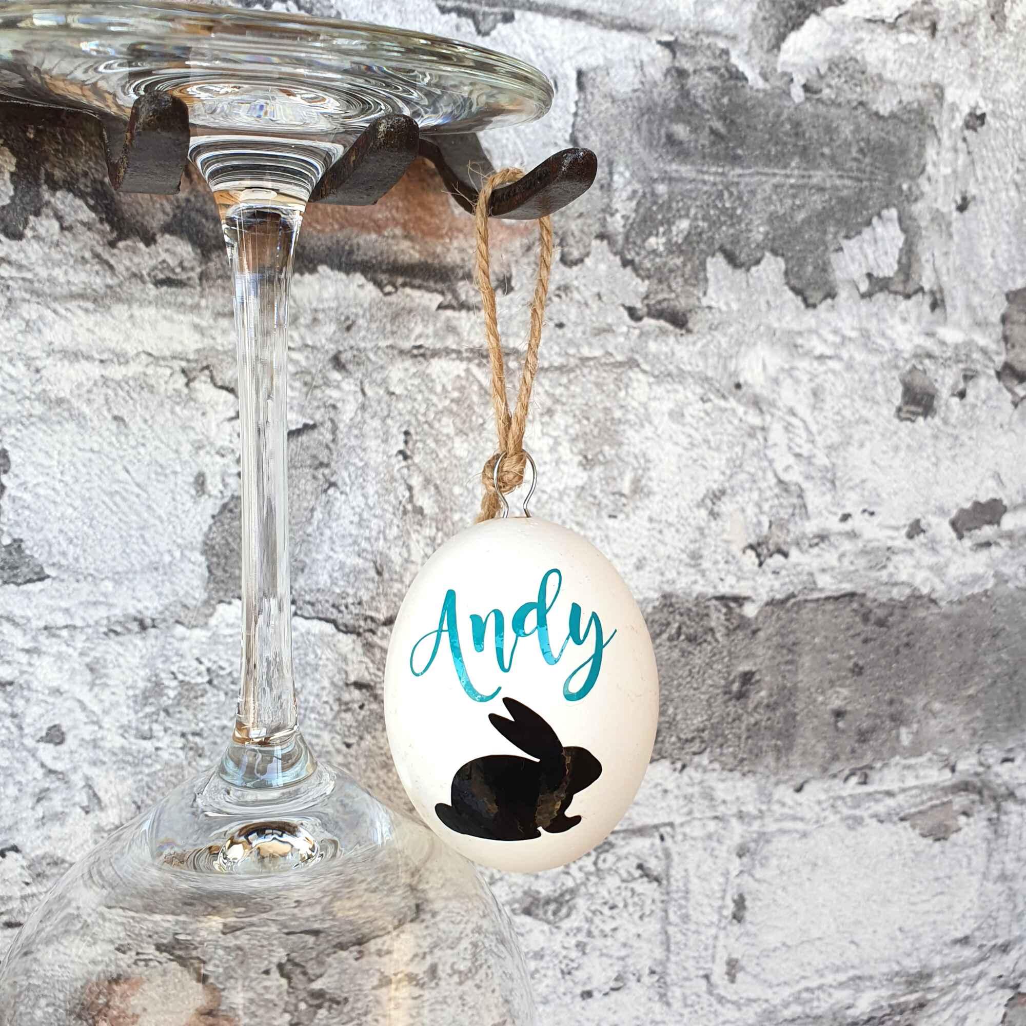 Osterei personalisiert Ostergeschenk aufgehangen Andy